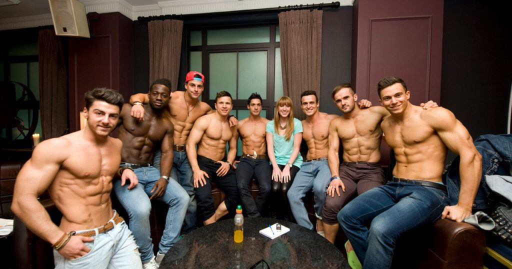9 Things I Wish I Knew Before Becoming a Male Stripper